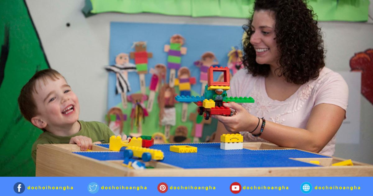 Tuyên truyền về hiệu quả của đồ dùng, đồ chơi đến cha mẹ trẻ