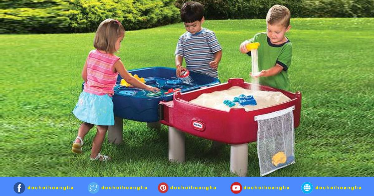 Những lợi ích khi chơi đồ chơi nước cho bé