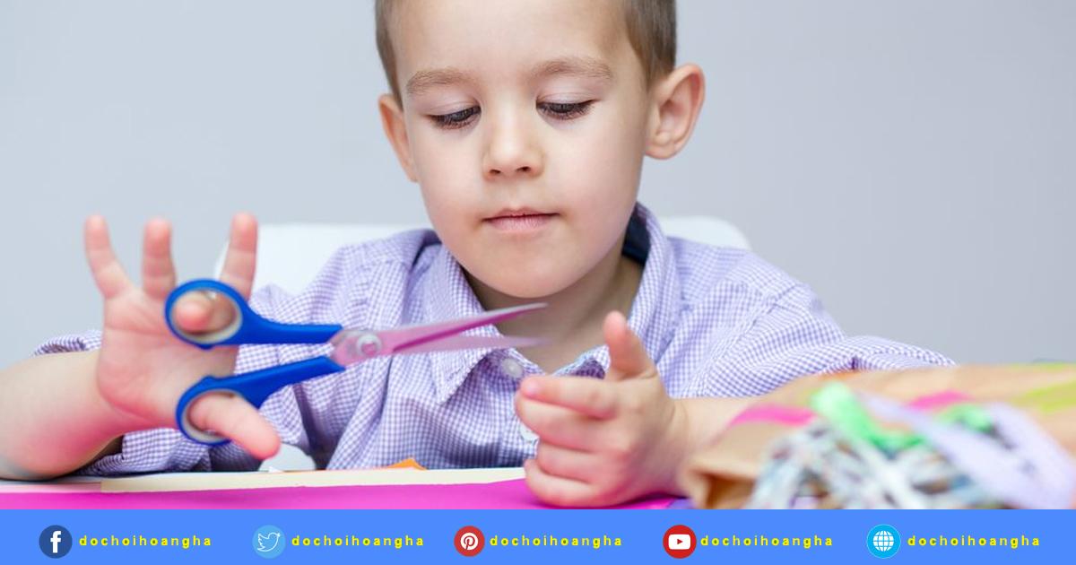 Dạy trẻ kỹ năng là một trong những tiêu chí rất quan trọng đối với trẻ Mâm Non