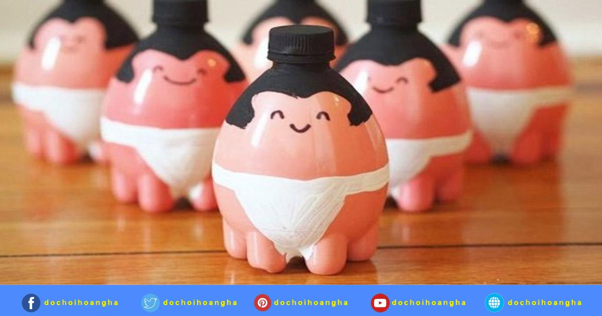 Những lực sĩ sumo đễ thương được làm từ chai nhựa