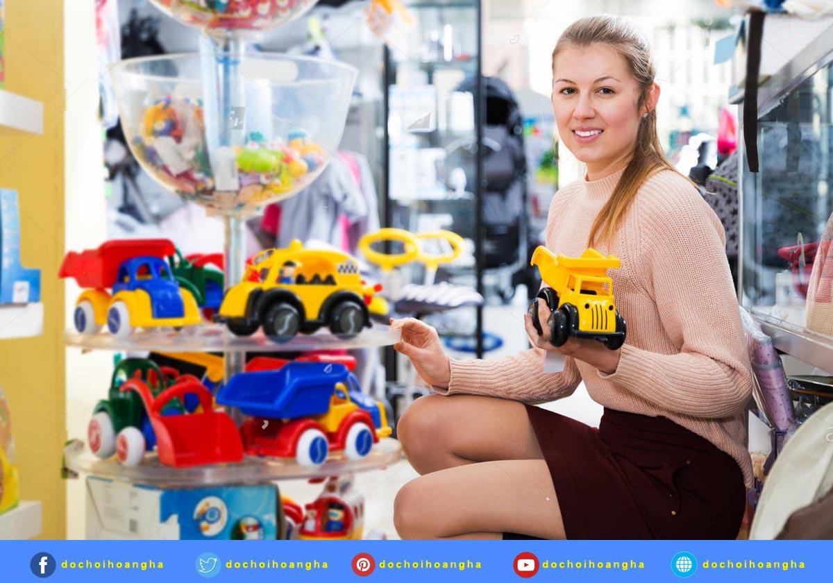 Dưới đây là một vài gợi ý cho những phụ huynh muốn tìm những món đồ chơi phù hợp nhất với đứa con đang ở độ tuổi mầm non của mình.